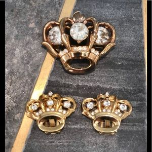 Vintage gold crown pin & clip earrings bundle